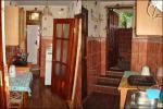 Прихожая-кухня (вход и выход на террасу)
